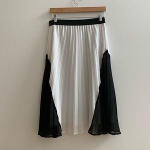 Chelsea28 Skirts - Chelsea 28 mindi pleated skirt XS